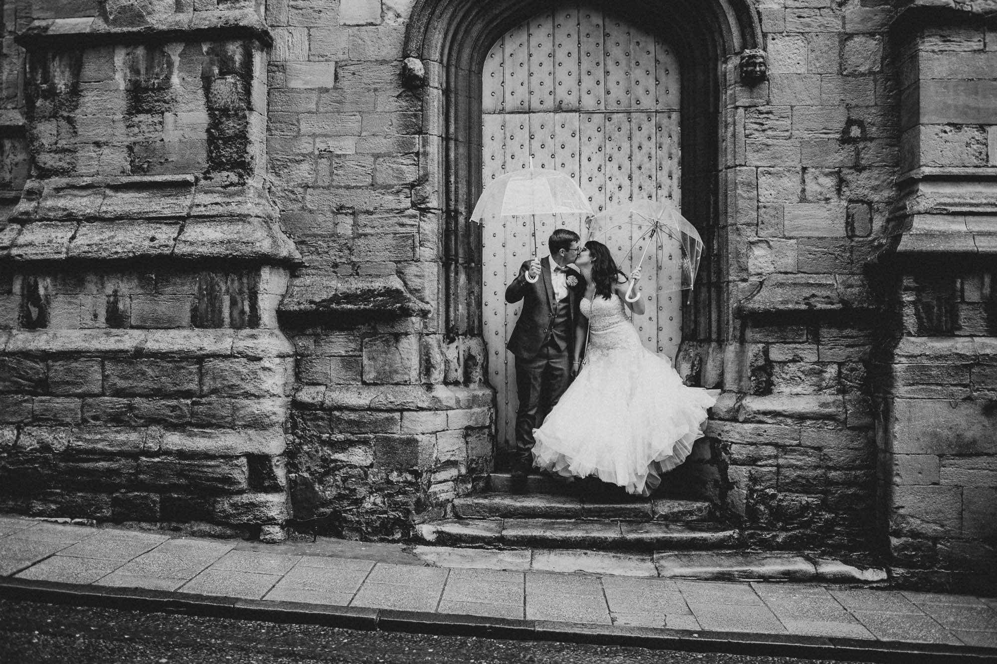 Rainy Stamford Wedding – Abbie & Jamie